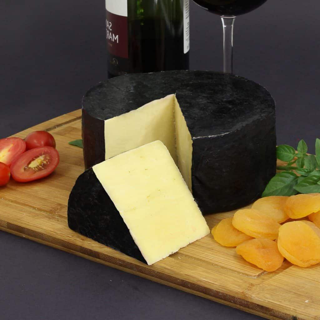 queijo-artesanal-parmesao-faixa-preta-alagoa-golden-2_B